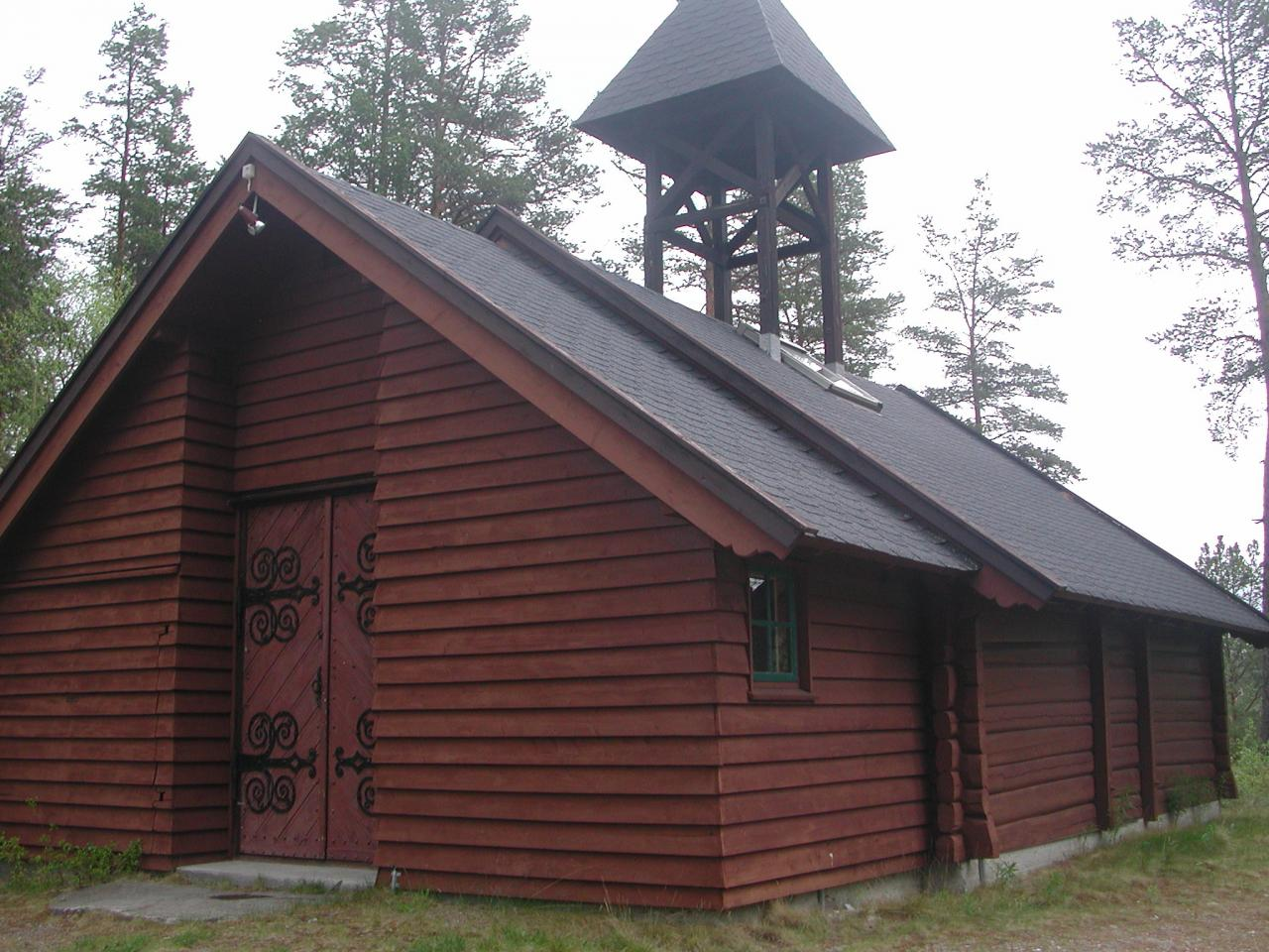 https://folldal.kirken.no/img/11_07_07_Egnund_kapell/Kirke6.jpg